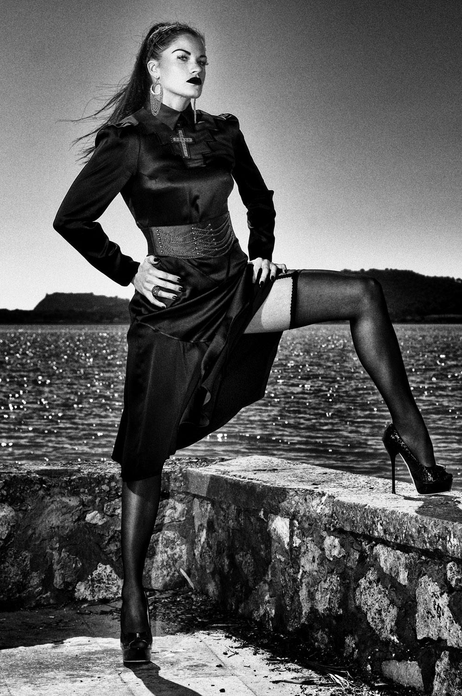 Marco Tenaglia   Dominant woman II - Limited Edition Print